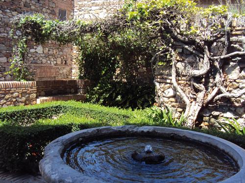 Jardin de l 39 alcazaba de malaga andalousie espagne - Fontaine de jardin occasion belgique ...