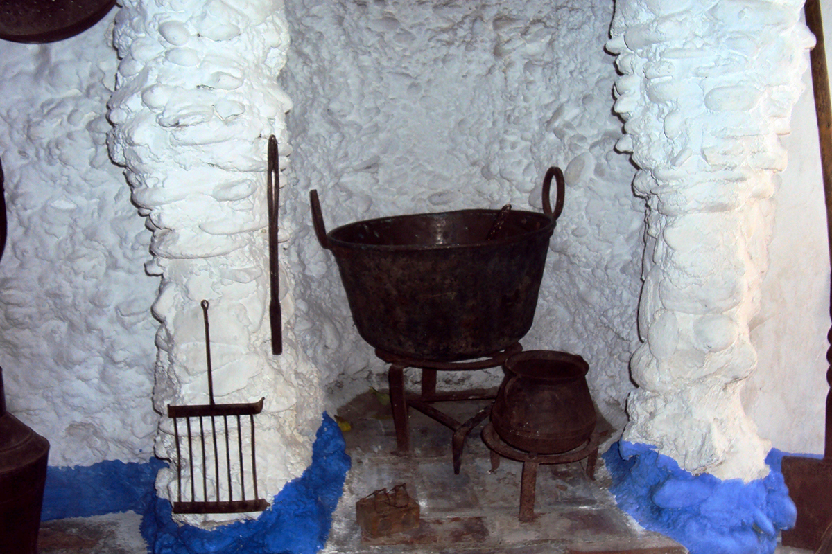 Cuisine Maison troglodyte Alhambra Grenade Roadtrip Andalousie Espagne