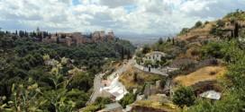 Vue sur l'Alhambra depuis le Sacromonte de Grenade (Andalousie-Espagne)