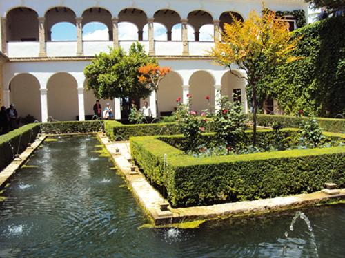 Les jardins de Generalife de l'Alhambra de Grenade (Andalousie-Espagne)
