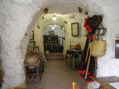 Grotte dans le Sacromonte de Grenade (Andalousie-Espagne)