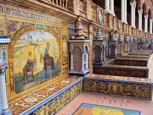 Les 48 bancs en azulejos de la Plaza Espana de Séville (Andalousie-Espagne)