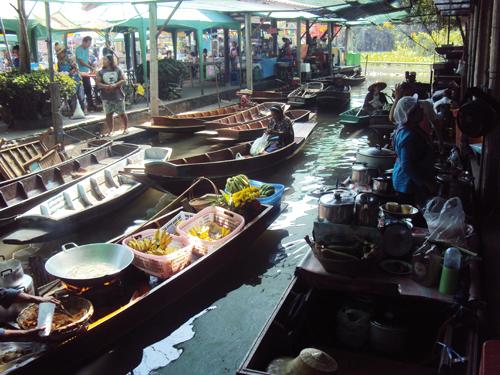 Les barques du marché flottant de Bangkok