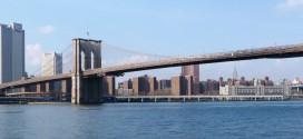 Le Brooklyn Bridge de New York vu depuis la promenade de Brooklyn Heights