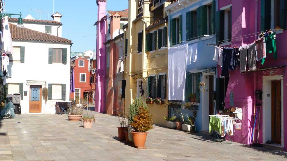 maisons colorees burano