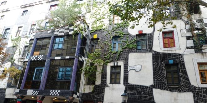 La façade de l'immeuble Hundertwasser à Vienne