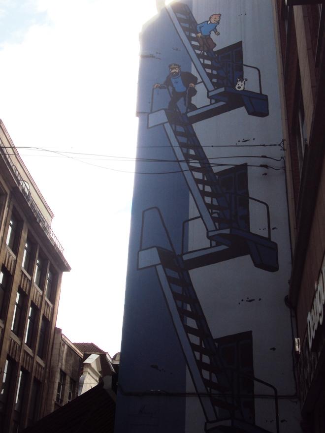 Fresque colorée Tintin dans les rues de Bruxelles
