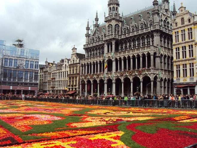 La Grand Place de Bruxelles en fleurs