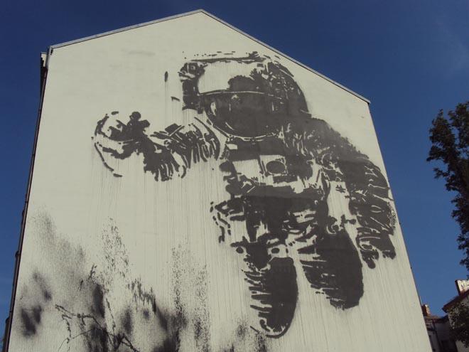Une oeuvre de street art dans le quartier de Kreuzberg à Berlin