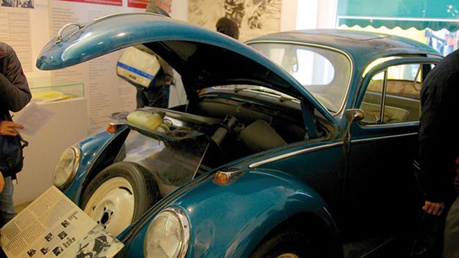 Une voiture aménagée pour permettre la fuite de l'Allemagne de l'Est