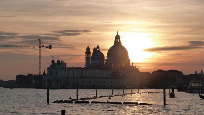 Coucher de soleil sur le Dorsoduro à Venise