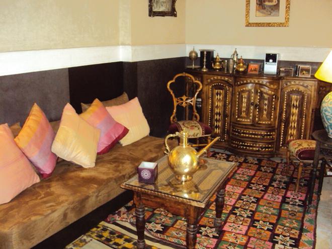Le salon d'un riad de la médina de Marrakech