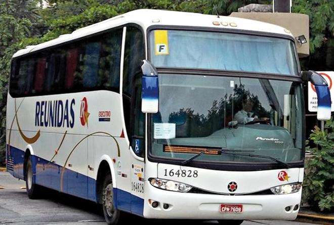 Le bus de la compagnie Reunidas Paulista qui relie Paraty et Sao Paulo