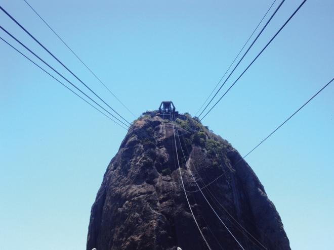 L'ascension finale vers le Pain de Sucre à Rio de Janeiro