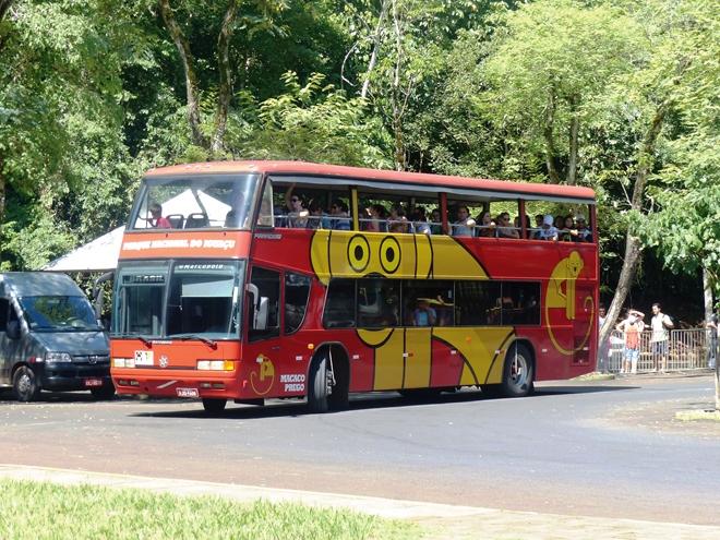 Le bus panoramique permettant d'aller jusqu'aux chutes d'Iguazu
