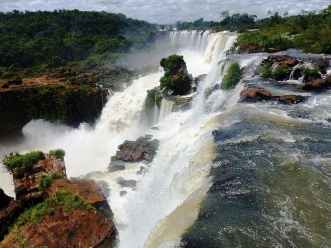 Le circuit supérieur permet de dominer les chutes d'Iguazu