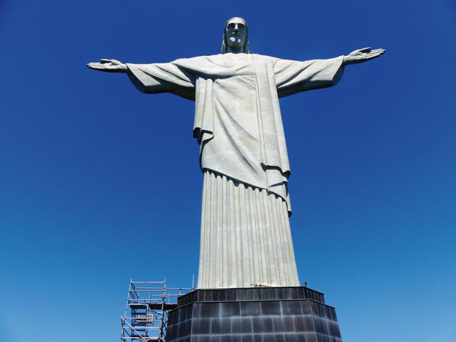 La statue du Christ Rédempteur sur les hauteurs de Rio de Janeiro
