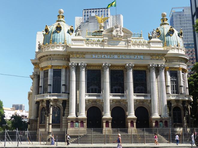 Le Teatro Municipal dans le centre-ville de Rio de Janeiro