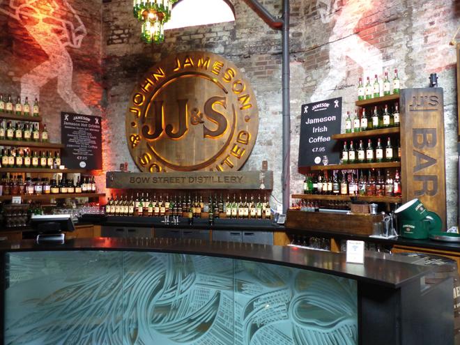 Visiter Dublin Planete3w distillerie Jameson bar