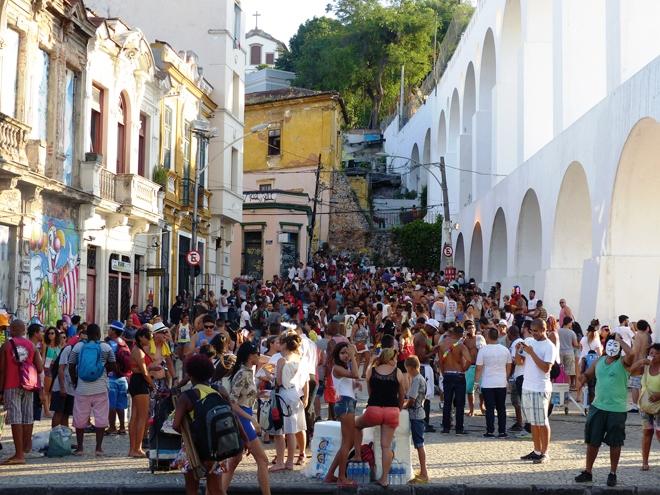 Carnaval de rue dans le quartier de Lapa à Rio de Janeiro