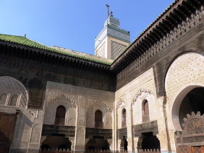 La médersa Bou Inania et son minaret dans la médina de Fès