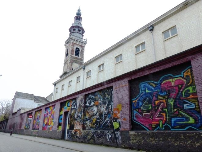 Super spot de street art sur Twee Bruggenstraat à Gand