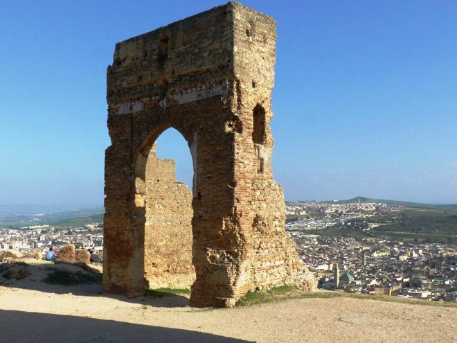 Les vestiges des tombeaux Mérinides à Fès