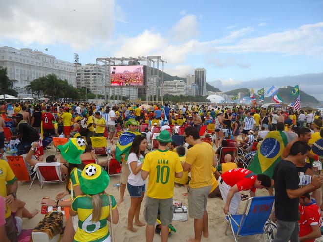 Le match d'ouverture de la Coupe du Monde sur la plage de Copacabana