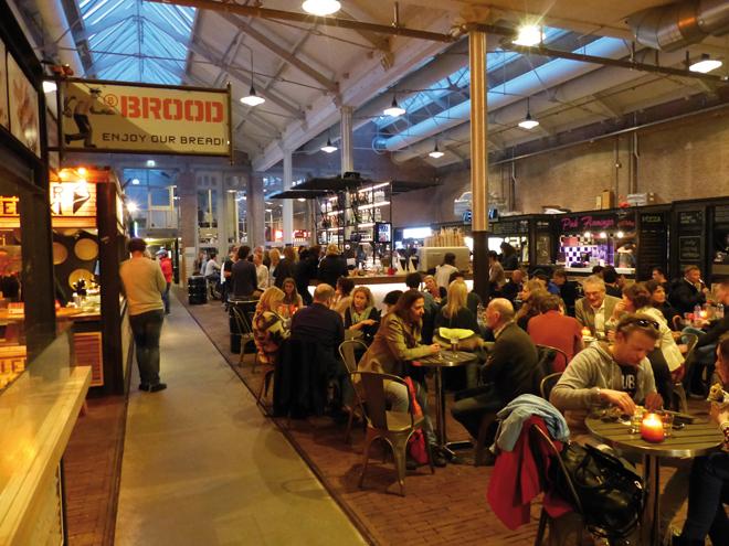 De Foodhallen et ces nombreux stands de street food à Amsterdam