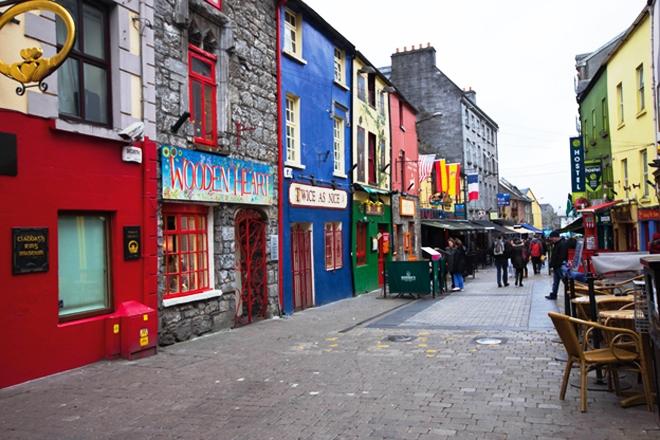 Le très agréable centre-ville de Galway en Irlande