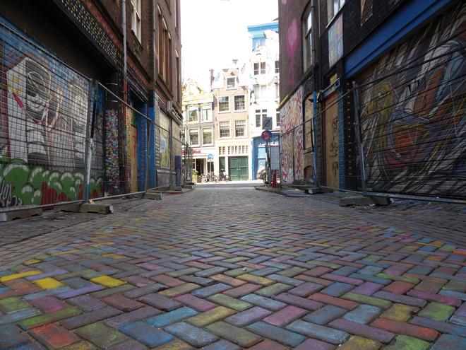 Wijdesteeg et ses œuvres de street-art à Amsterdam