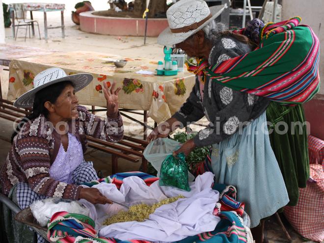 Vente en directe sur le marché de Cliza en Bolivie