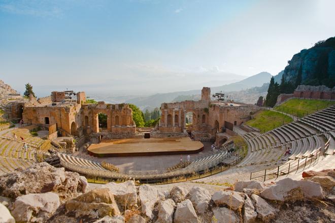 Le Teatro Greco et sa vue imprenable sur l'Etna à Taormina