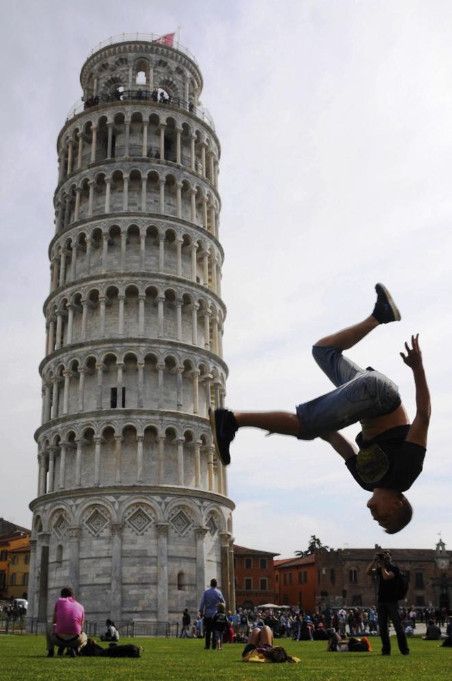 Photo en trompe l'oeil avec la Tour de Pise
