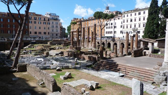 Largo di Torre Argentina : l'endroit où Jules César fut assassiné à Rome