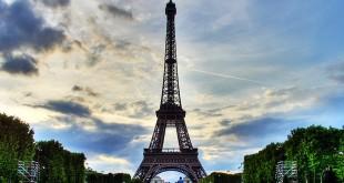 Tour Eiffel UNE