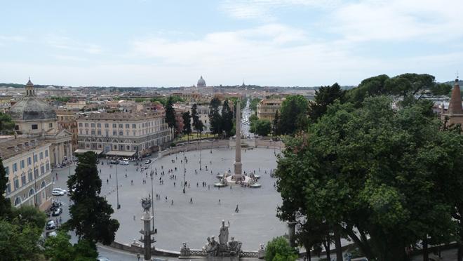 Vue sur la piazza popolo depuis la terrasse Pincio à Rome
