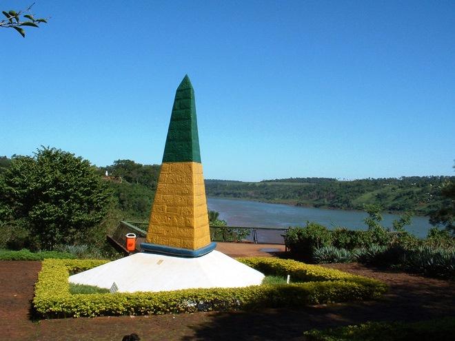 La borne brésilienne à Marco das Tres Fronteiras près de Iguazu