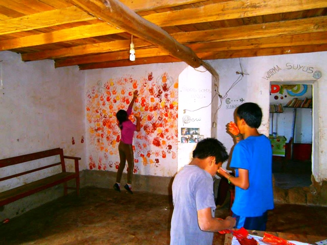 Atelier peinture à Warma Suyus