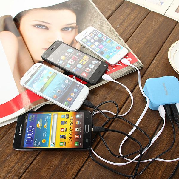 Chargeur secteur 4 ports USB pratique pour charger plusieurs appareils