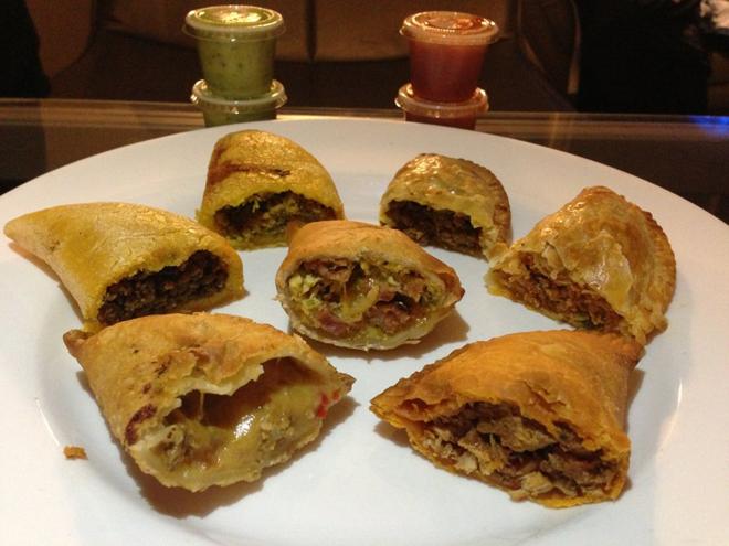 Assortiment d'empanadas maison à Empanada Mama