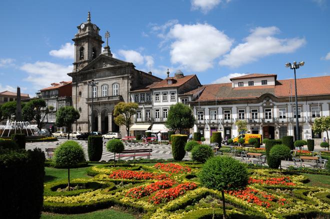 Magnifique place à Guimarães près de Porto