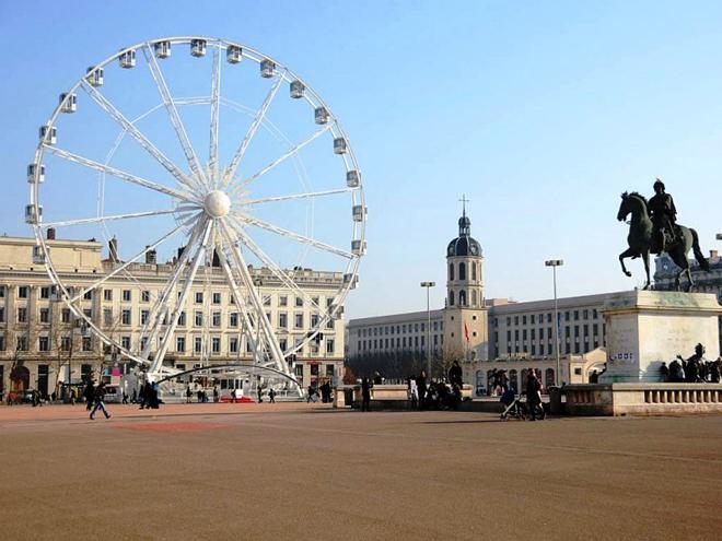 La place centrale de Lyon : la Place Bellecour