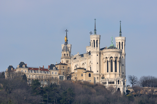 La basilique Fourvière dominant Lyon