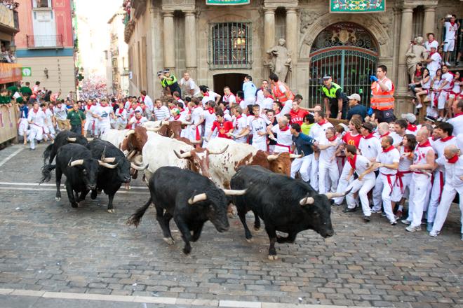 Feria dans les rues de Pamplune