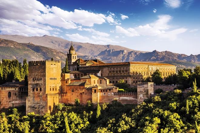 L'Alhambra une grande forteresse arabe à Grenade