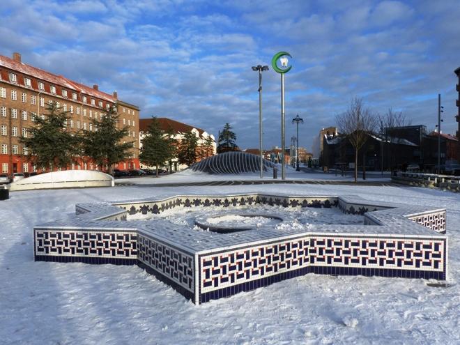 Un des nombreux parcs de Copenhague enneigé en hiver