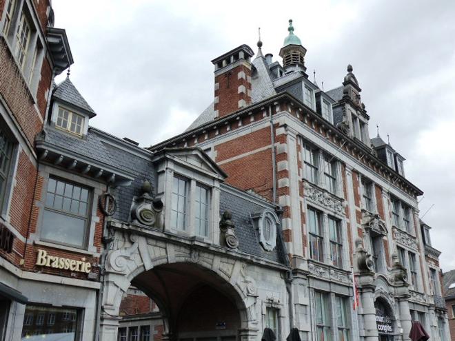 La place d'Armes, la place principale de Namur