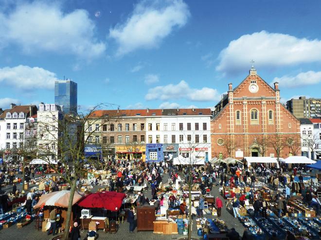 Le marché des Marolles à Bruxelles