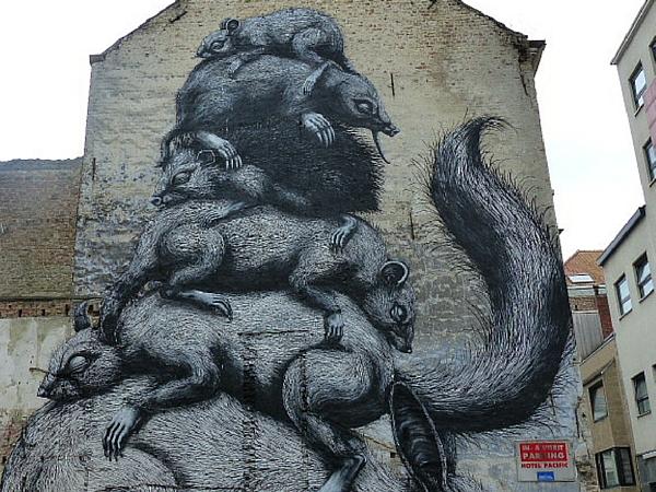 Roa le plus célébré graffitist belge a lui aussi participé à The Crystal Ship